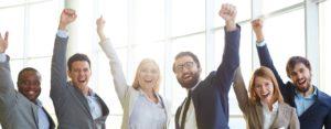 Jobnavigation - Startseite - Headerbild - jubelnde Menschen